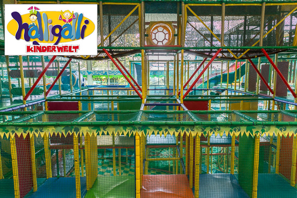 Google Street View Maps Business Fotograf 360 Grad Panorama 360° Fotografie Indoor Spielplatz Halligalli Kelkheim